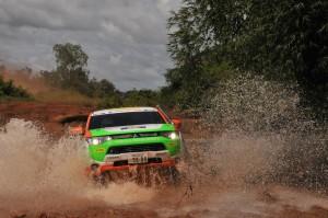 Outlander Plug-in-Hybrid beim erfolgreichen Rallye-Debüt